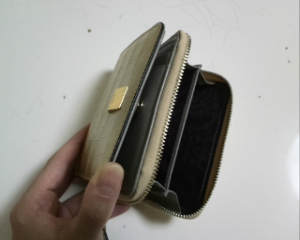 新しい二つ折り財布02